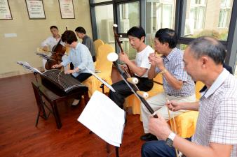 老人合唱乐团
